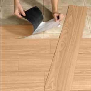 Serviços de instalação de piso vinílico