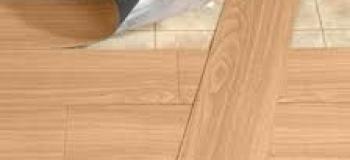 Instalação de piso vinilico auto adesivo